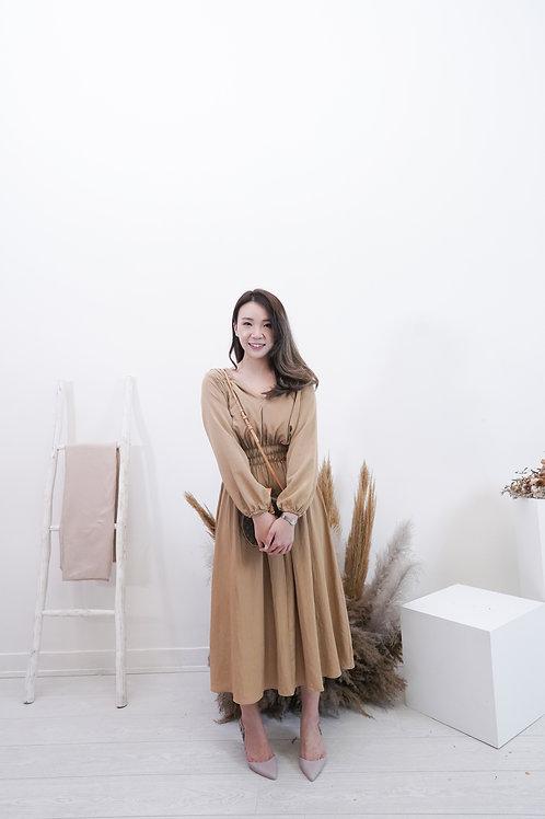[現貨賣光不補] V開領肩位皺褶修腰女神裙(啡色)
