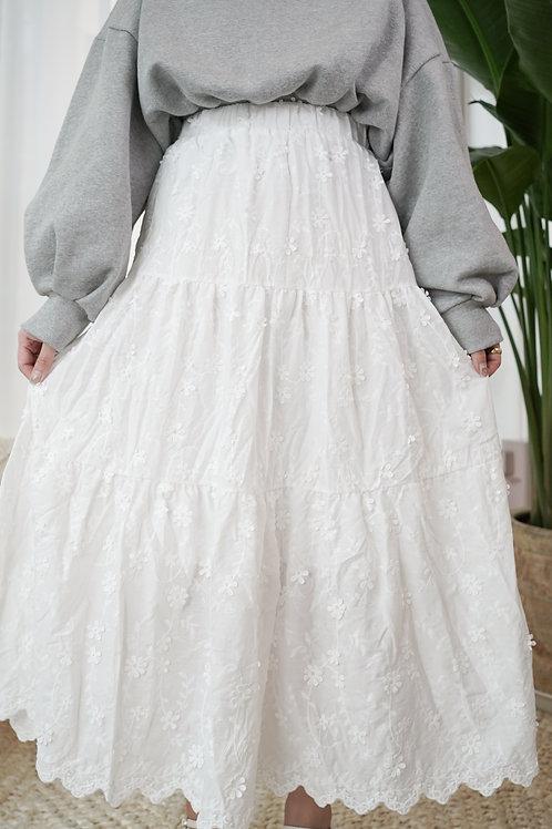 [預訂] 春季立體花花刺繡白色半身裙