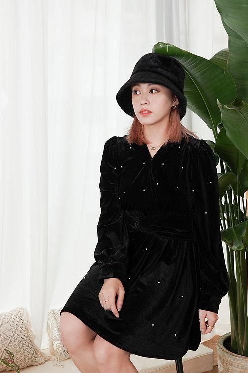 [預訂] 黑色絲絨點點珍珠腰間蝴蝶結連身裙