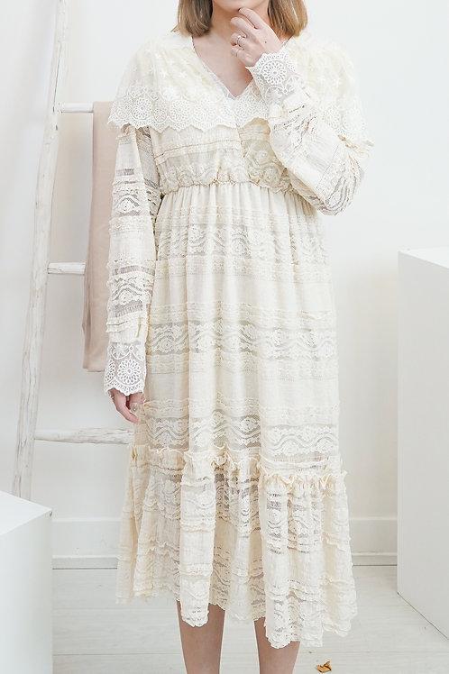 [現貨賣光不補] V領全蕾絲拼接袖子仙氣連身裙