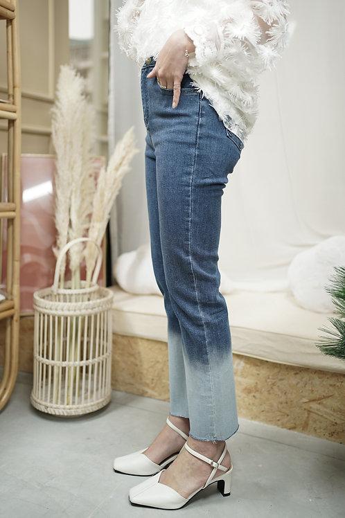 [預訂] 兩段洗色彈性直腳牛仔褲