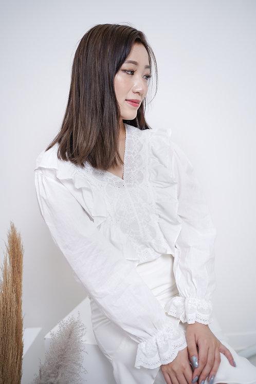 [售罄] 薄棉麻Ruffles刺繡花邊V領上衣(白色)