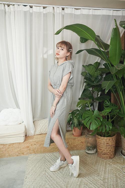 [預訂] 小性感運動風開叉前拉鍊束腰連身裙(灰色)