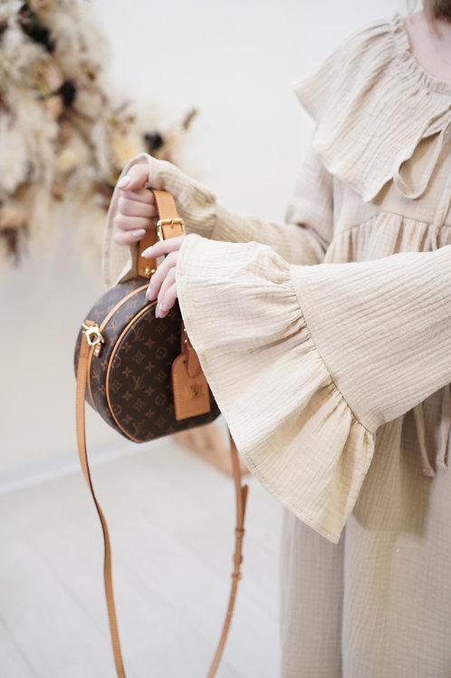[售罄] 軟軟棉質小皺皺翻領寬鬆娃娃裙(禾稻色)