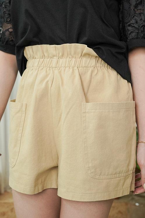 [現貨賣光不補] 束腰Ruffles邊雙口袋短褲(杏色)
