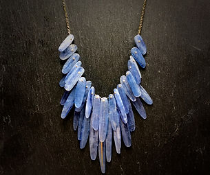Full Feather Collar in 18k gold and Kyanite.