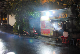 Street food and the art of eating at plastic tables
