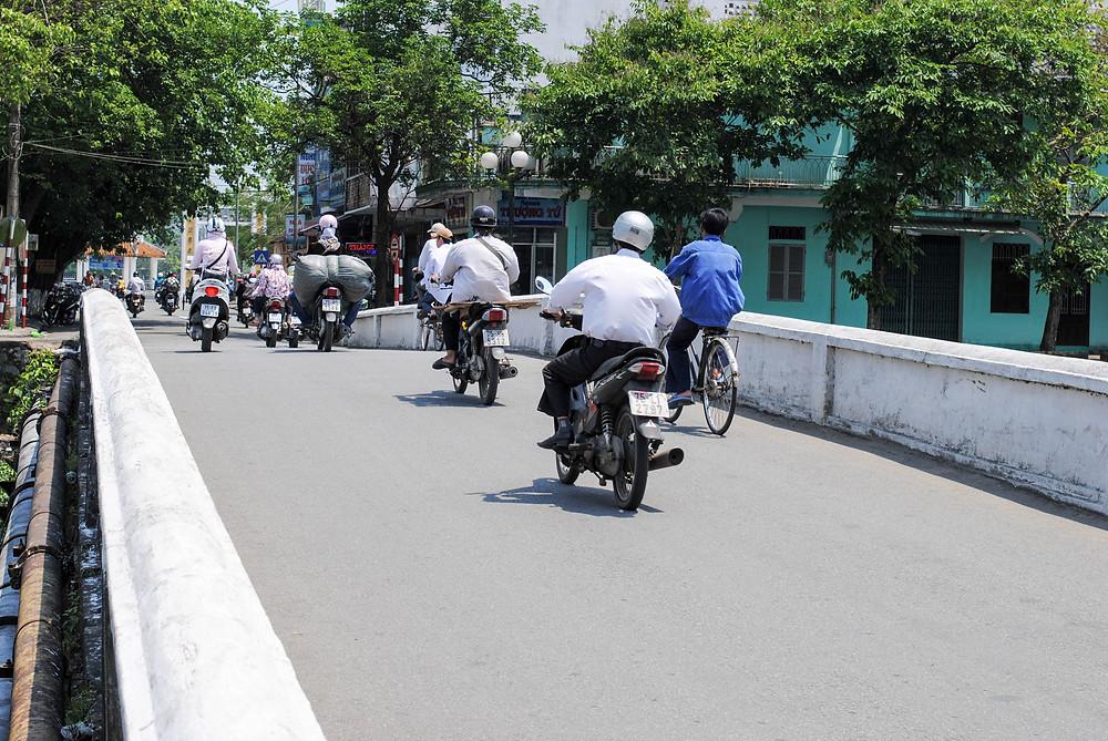 hue vietnam motorcycle