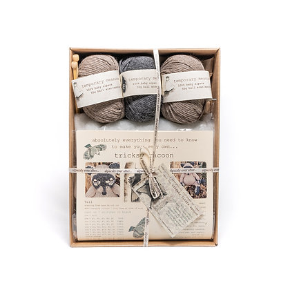 tricksy racoon knitting kit