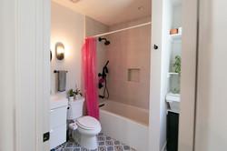 Second suite: Second bath