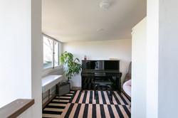 Sitting room/piano room