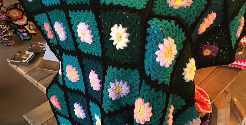 Green with flowers Blanket