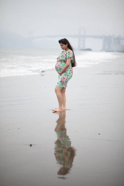 San Francisco Baker Beach Maternity Photoshoot