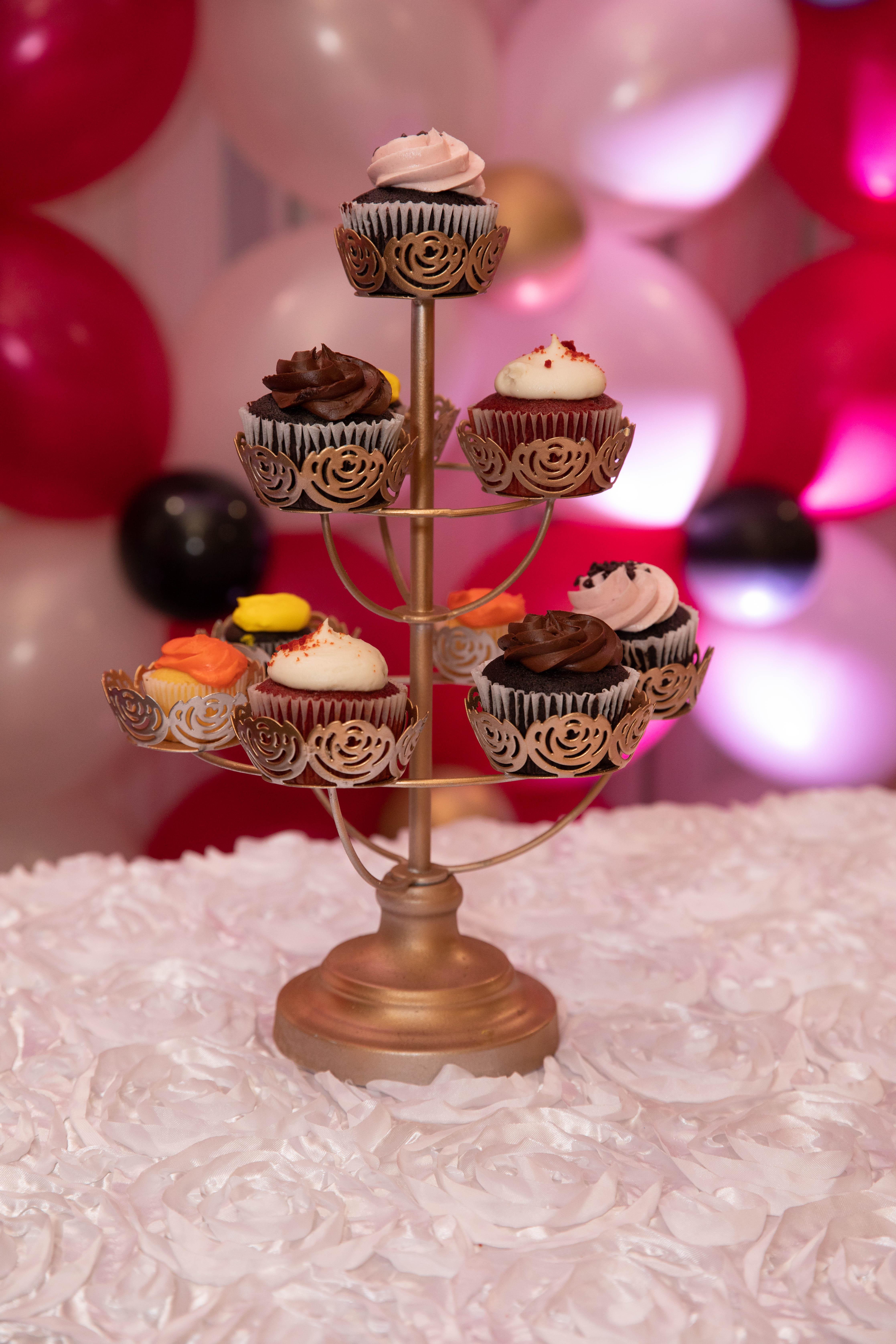 Cake stand - birthday