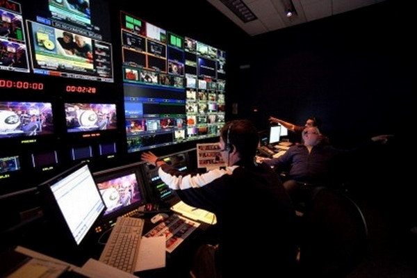 ESPN-NFL-game-control-room-420x280.jpg