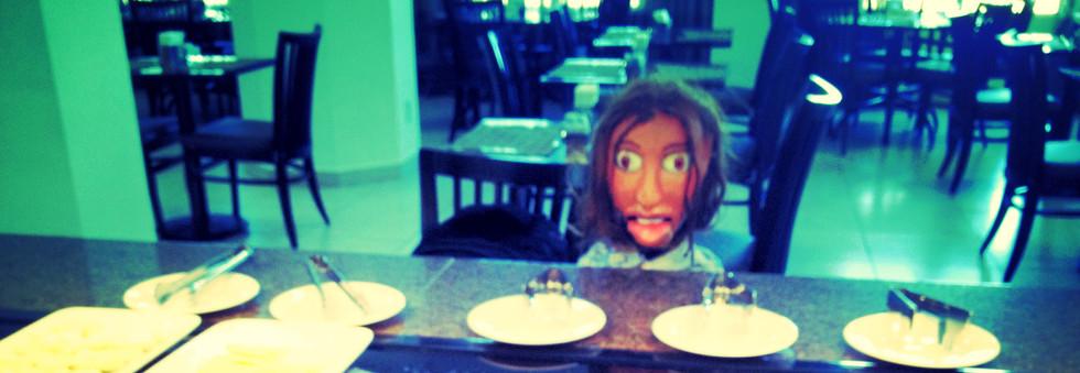 Dalva almoça