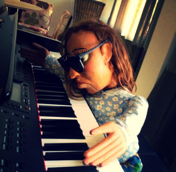Dalva tem uma recaída no piano