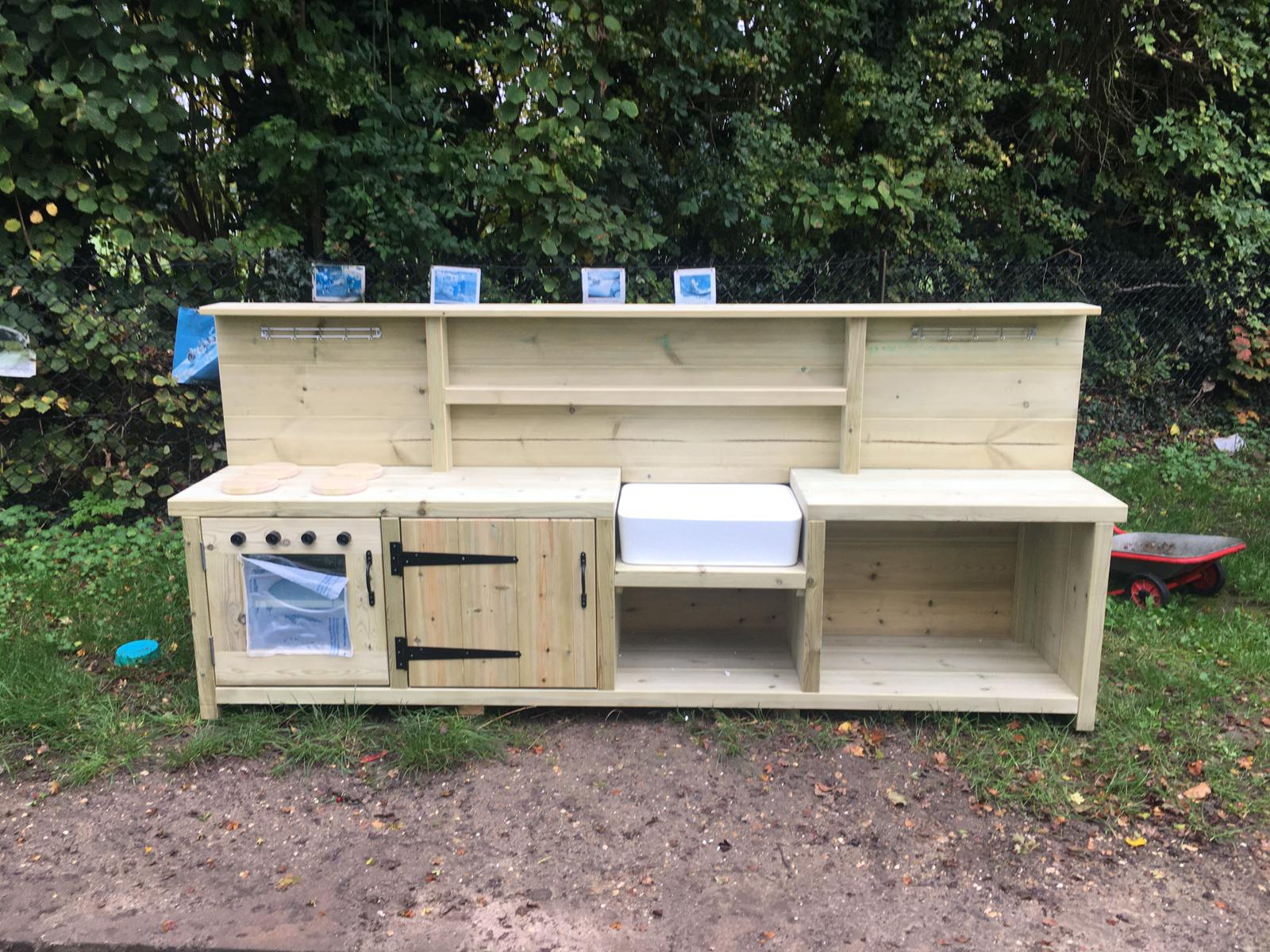 Alwyn Mud Kitchen