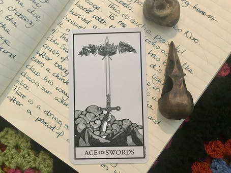 Thoughts on the Cards - Bianco Nero Tarot: Ace of Swords