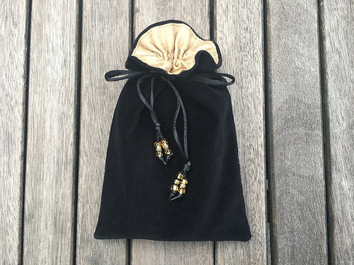 Black / Antique Gold