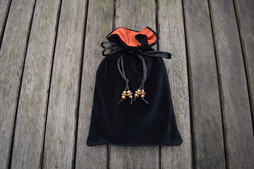 Black / Terracotta