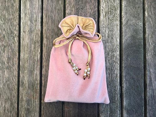 Dusty Rose / Antique Gold