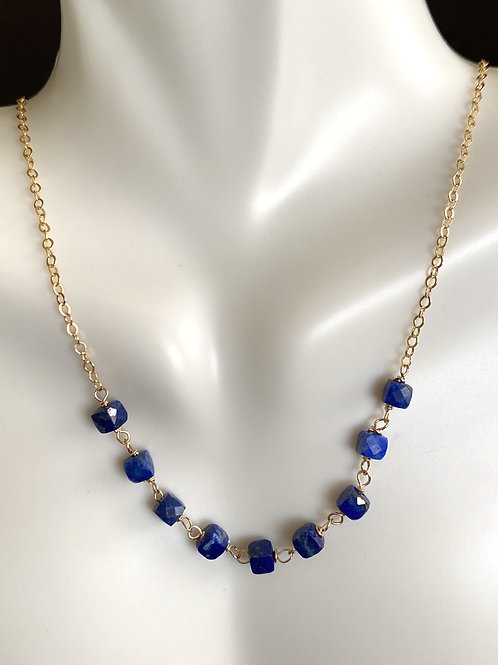 Lapis necklace in gold