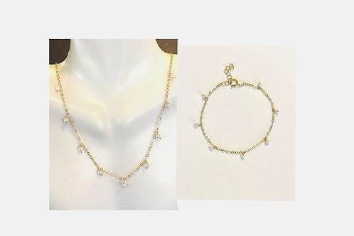 Fresh water pearls on  gold set