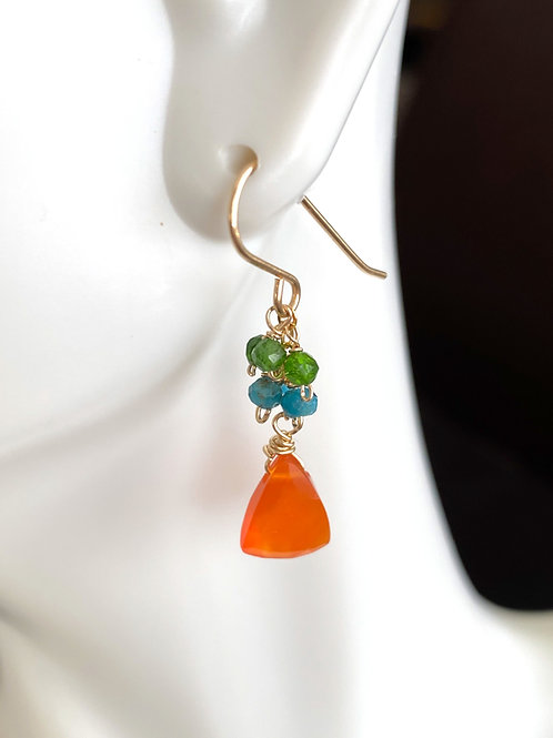 Carnelian drop with chrome diopside and apatite rondelles in gold