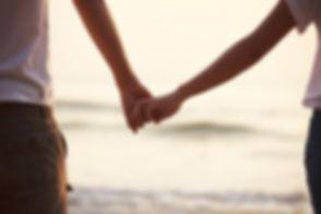 Holding-hands-couple-e1423736770636.jpg