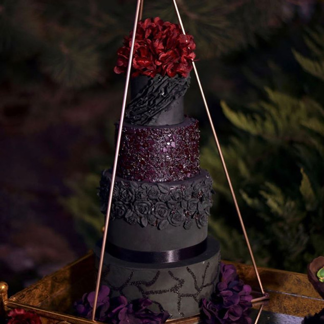 black wedding cake.jpg