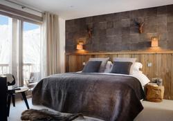 the alpine club bedroom