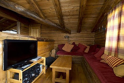 ellot_living_room_2