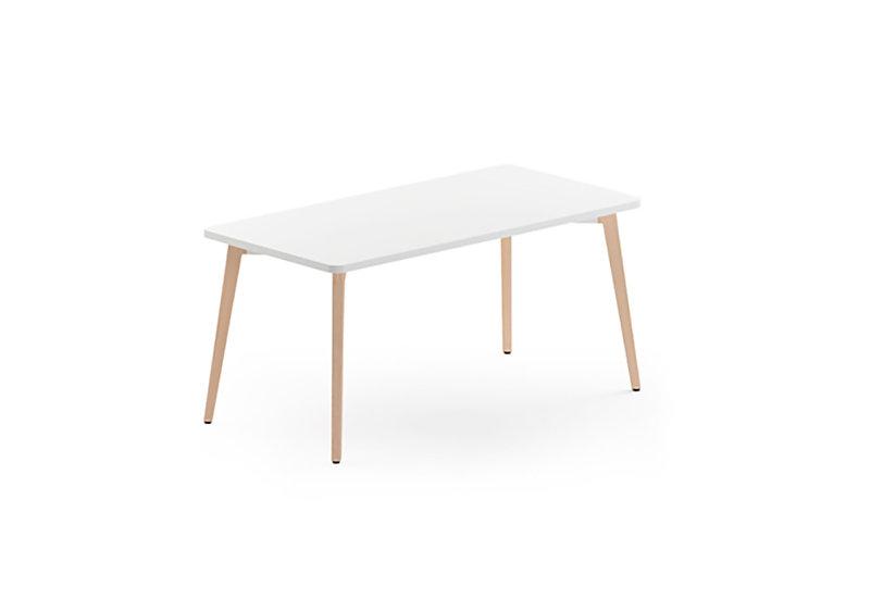 Mesa escritorio Timber de Forma 5