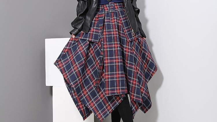 Aitana Plaid Picnic Skirt - Navy
