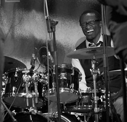 Roger Biwandu (Batterie)