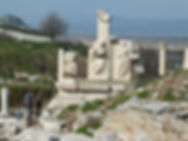 Ephesus-Memmius-Monument.jpg