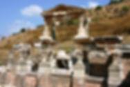 Trajan_Fountain_in_Ephesus.jpg