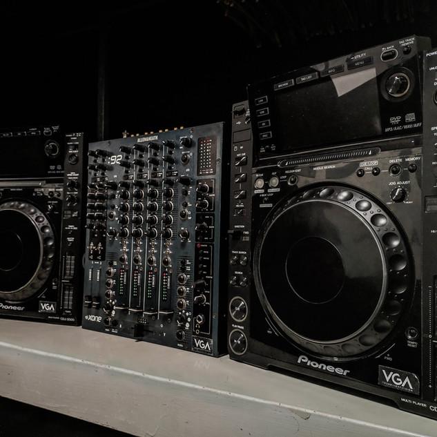 Cdj 2000 & Xone 92