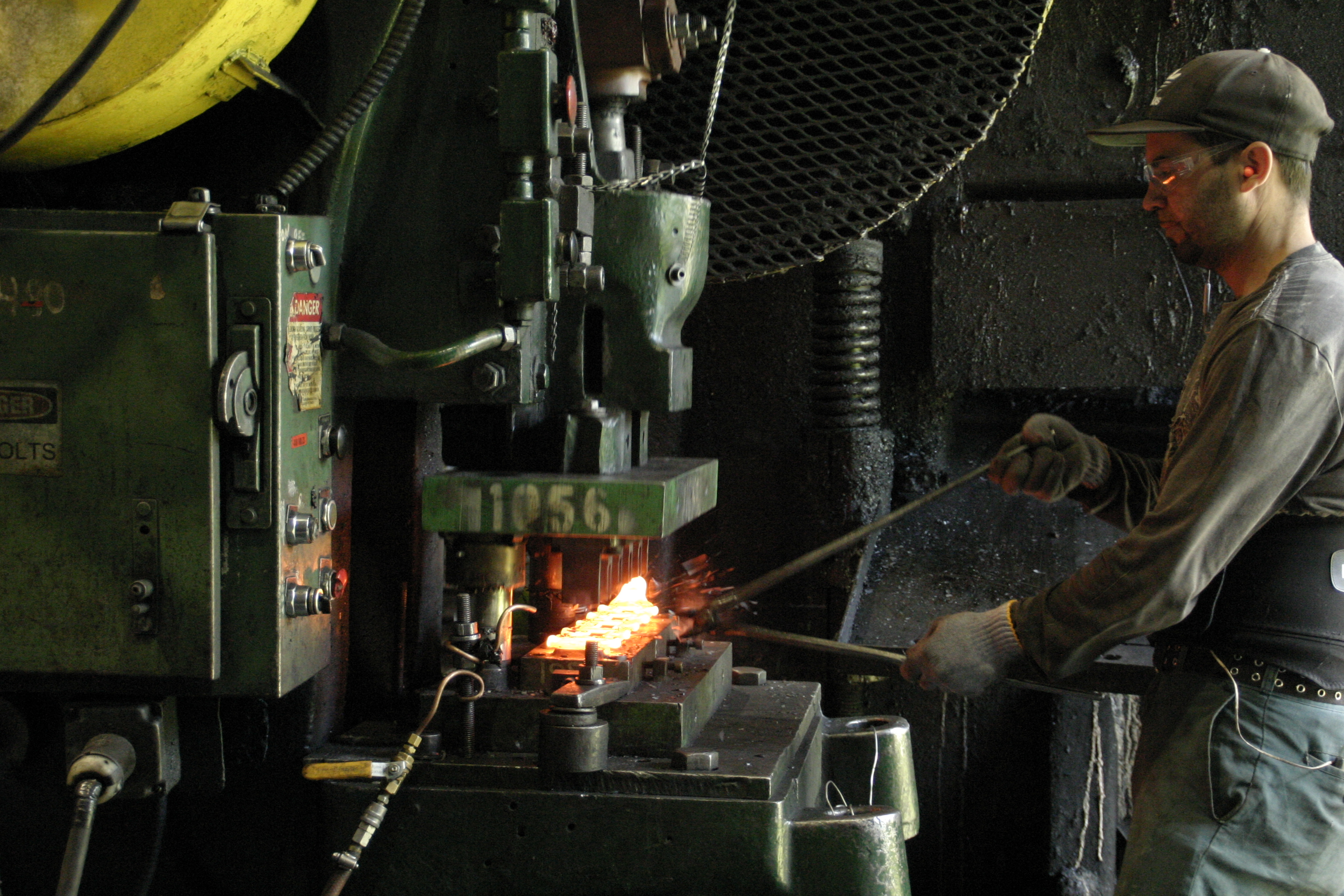 Forging Trim Press