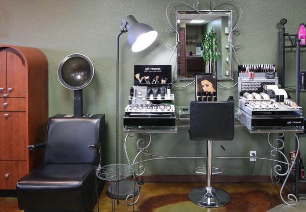 Avant Garde Salon Station