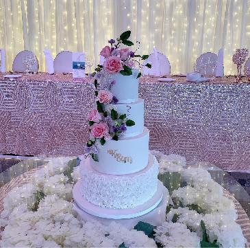 K&M Wedding cake.png