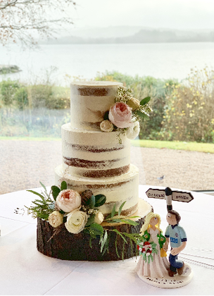 Donegal Wedding Cake.png