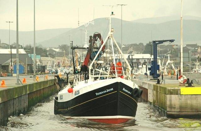 copy-of-trawler_departing_kilkeel_1of6