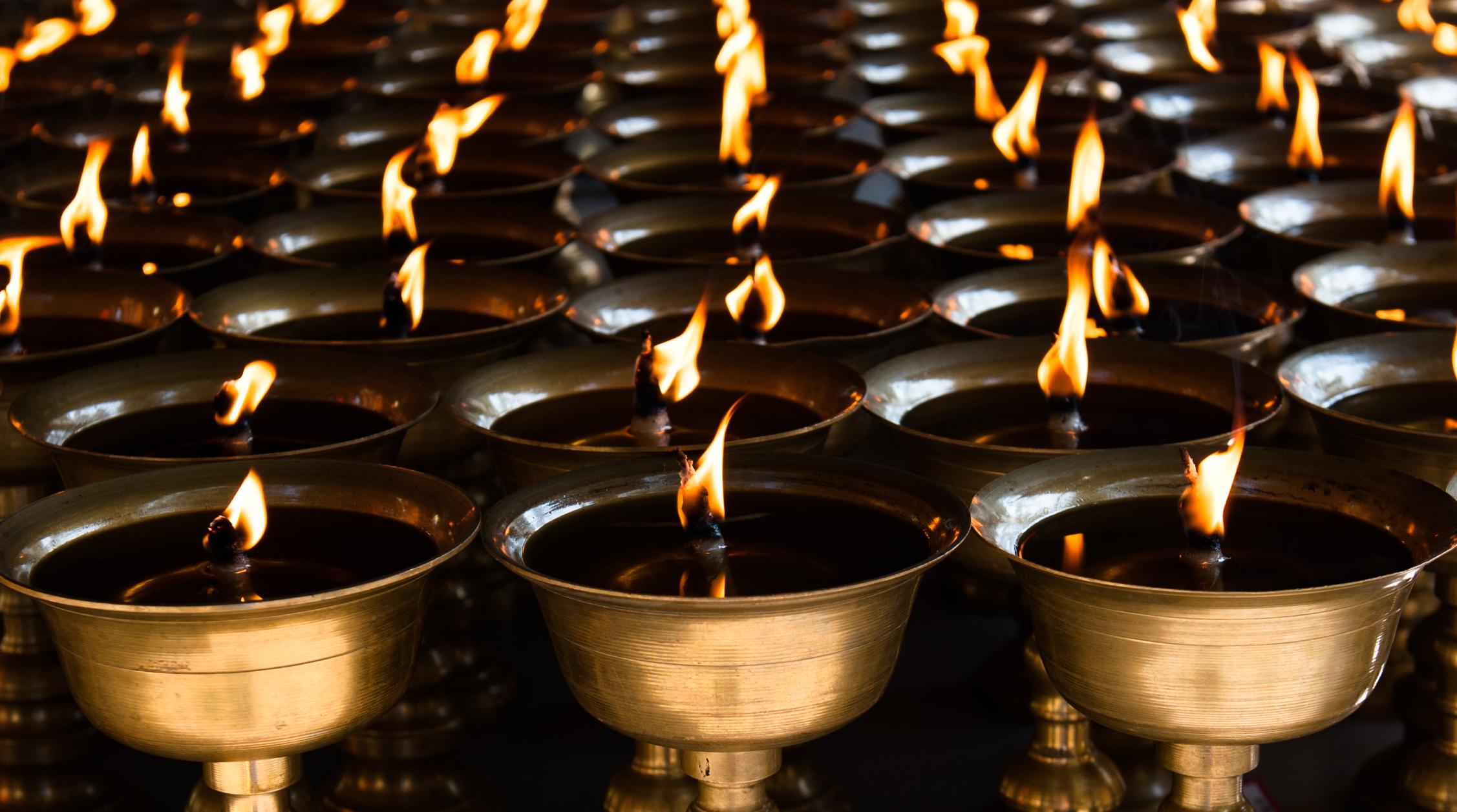 Leshan Candles