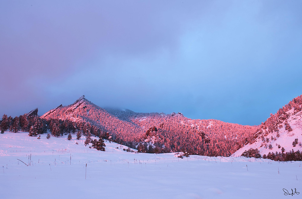 Full pink flatirons wide Chautauqua park Boulder, Colorado