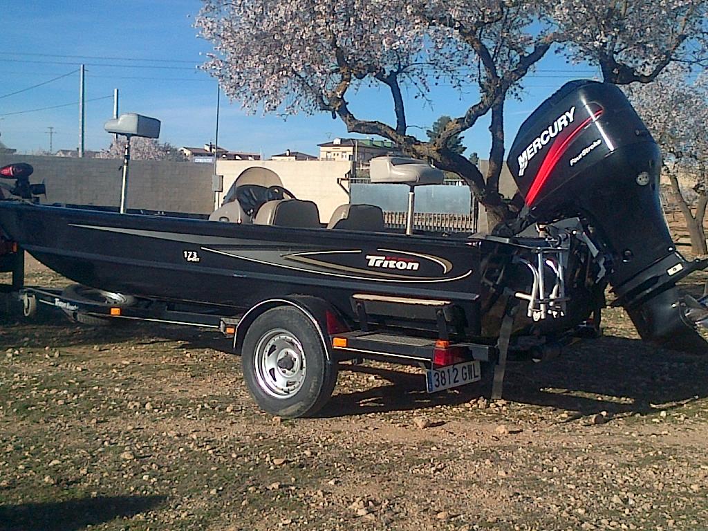 lakecortes tritonboat españa