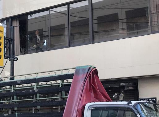 ビルの2階でのガラス修理