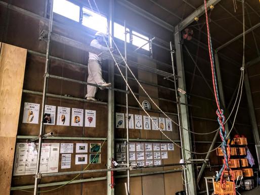 倉庫の排煙窓の修理