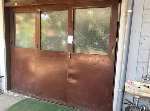 鉄製の引戸をアルミ製の引戸に